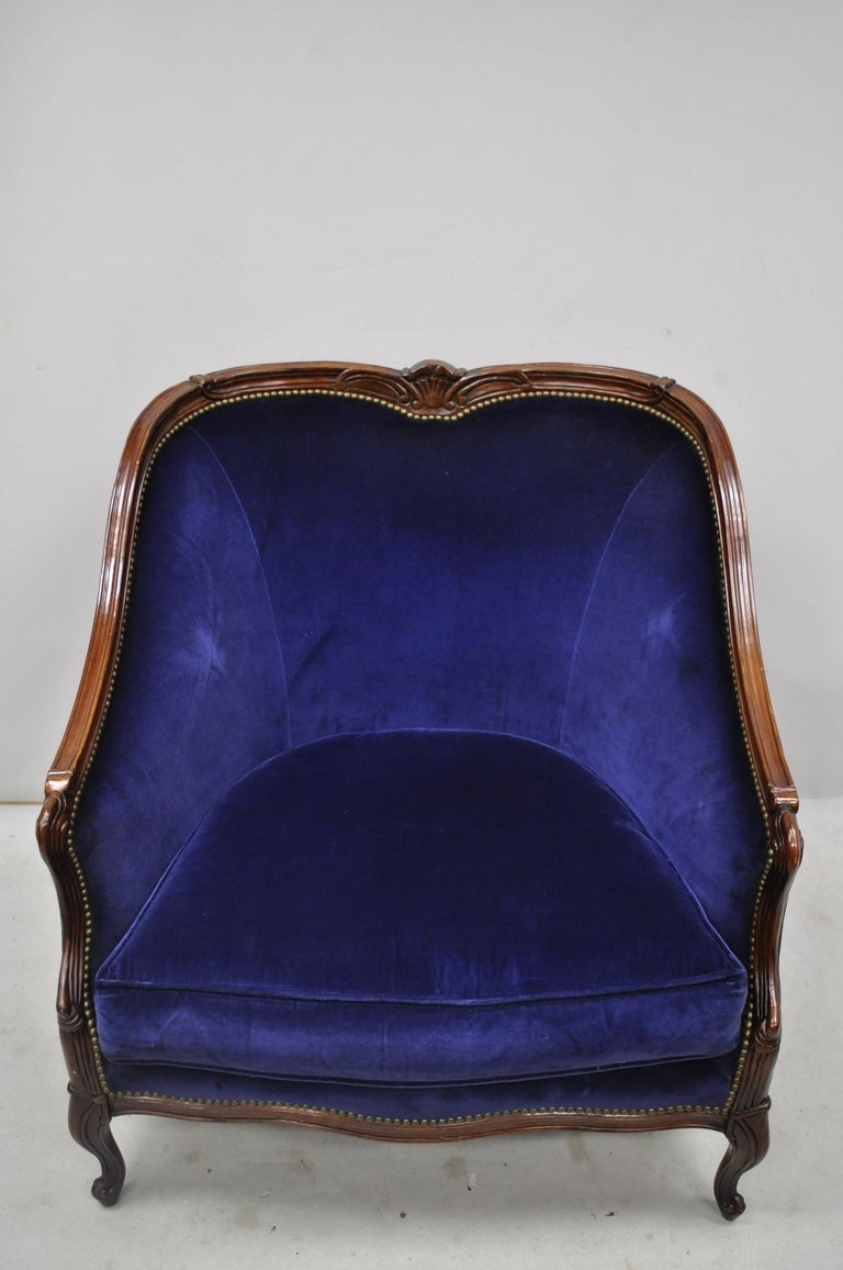 Large oversized Beacon Hill Henredon blue French Louis XV style lounge armchair. Listing includes a large impressive size, solid wood frame, nicely carved details, original labels, cabriole legs, quality American craftsmanship, great style and form,
