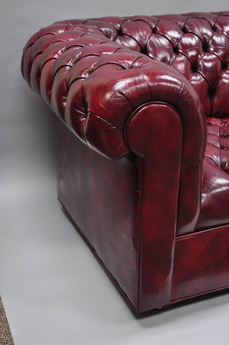 Large Oxblood Burgundy Red Leather Button Tufted Chesterfield Sofa For Sale 7