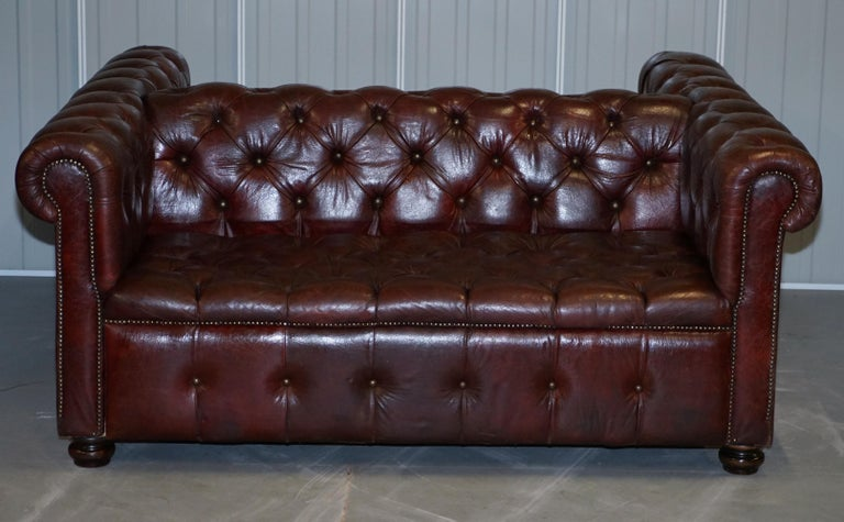 Hand-Crafted Large Oxblood Vintage Leather Double Sided Chesterfield Tufted Conversation Sofa For Sale