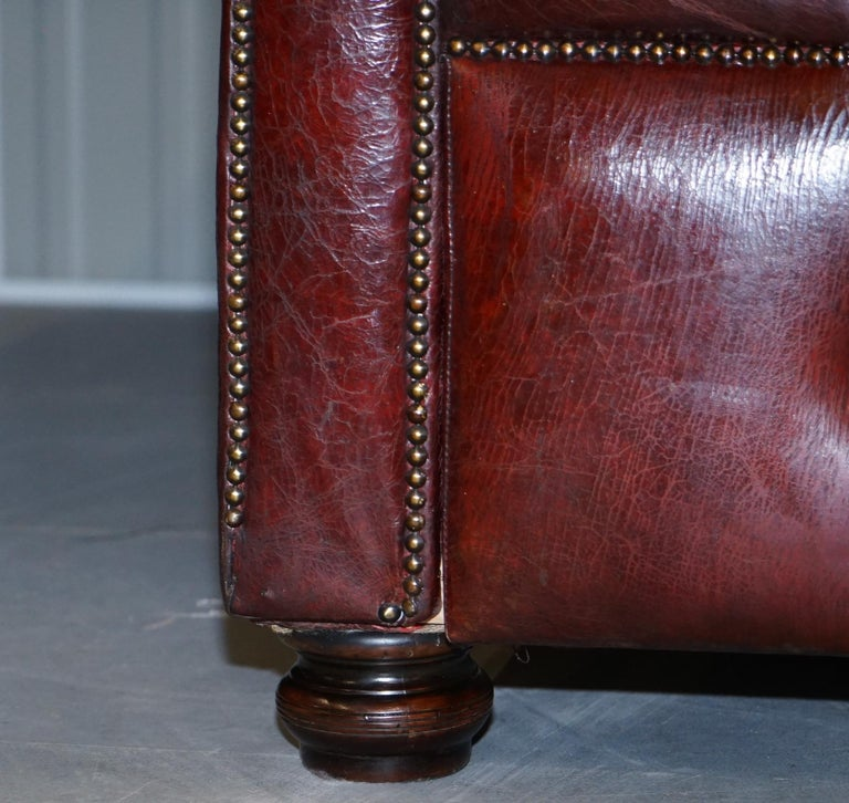 Large Oxblood Vintage Leather Double Sided Chesterfield Tufted Conversation Sofa For Sale 1