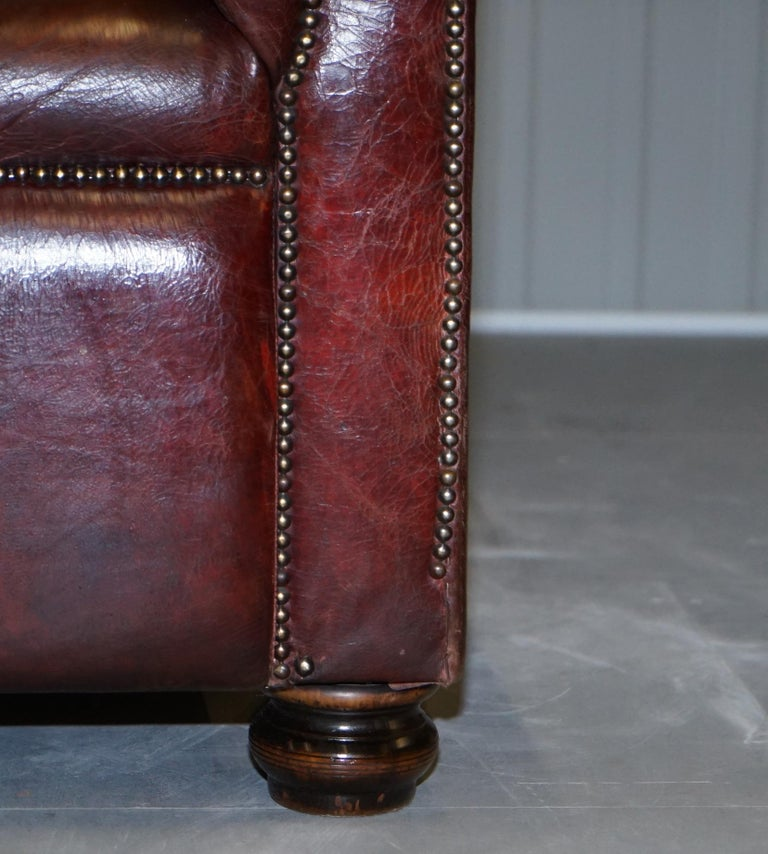 Large Oxblood Vintage Leather Double Sided Chesterfield Tufted Conversation Sofa For Sale 3