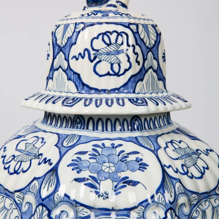 Large Pair of Blue and White Delft Vases Antique Made, 20th Century For Sale 4