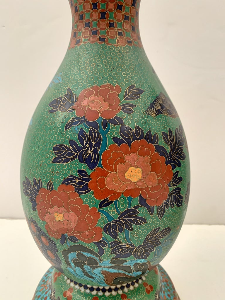 Large Pair of Japanese Cloisonne Peacock Vases Attributed to Kaji Tsunekichi For Sale 1