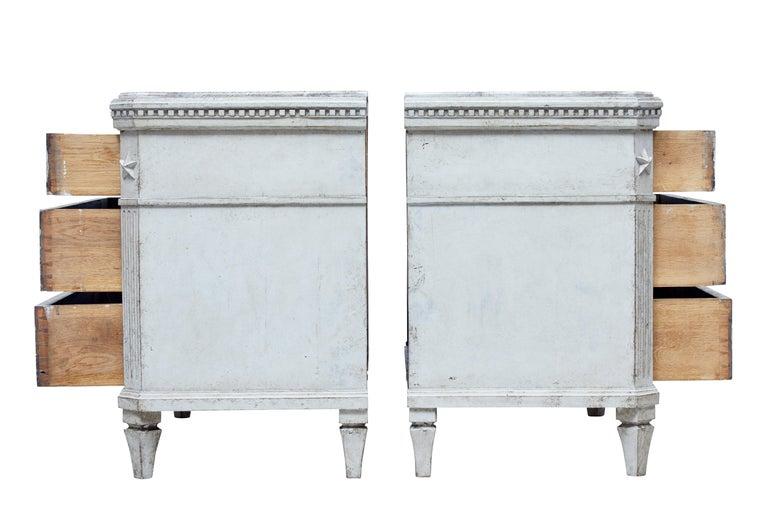 Großes Paar Gustavianisch Inspirierter Schwedischer Kommoden, 19. Jahrhundert 3