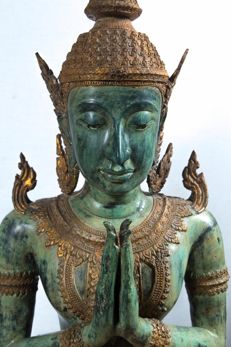 Large Pair of Antique Style Bronze Thai Praying Buddhas In Excellent Condition For Sale In Stamford, CT
