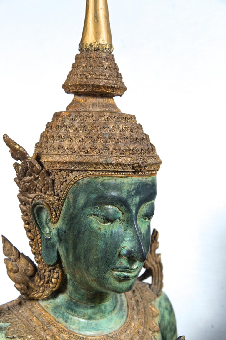 20th Century Large Pair of Antique Style Bronze Thai Praying Buddhas For Sale