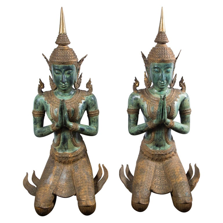 Large Pair of Antique Style Bronze Thai Praying Buddhas For Sale