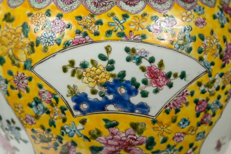 Hand-Crafted Large Pair of Chinese Porcelain Covered Jars For Sale