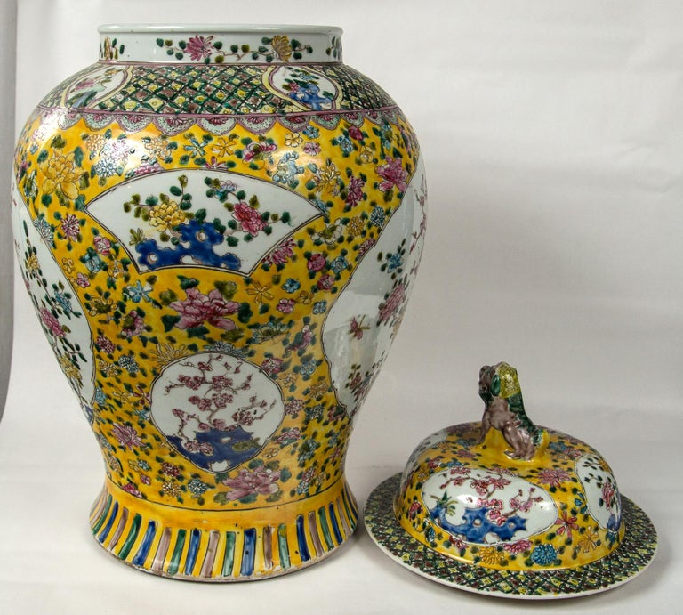 Large Pair of Chinese Porcelain Covered Jars For Sale 1