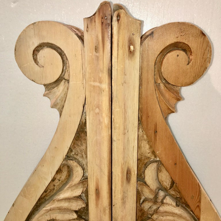 Large Pair of English Antique Corbels  For Sale 2