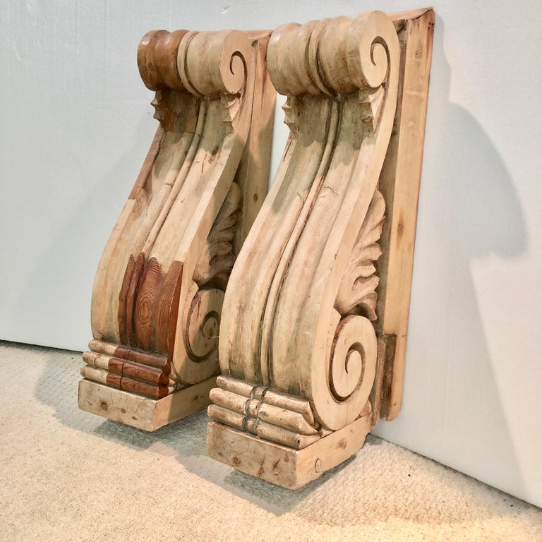Large Pair of English Antique Corbels  In Good Condition For Sale In Hingham, MA