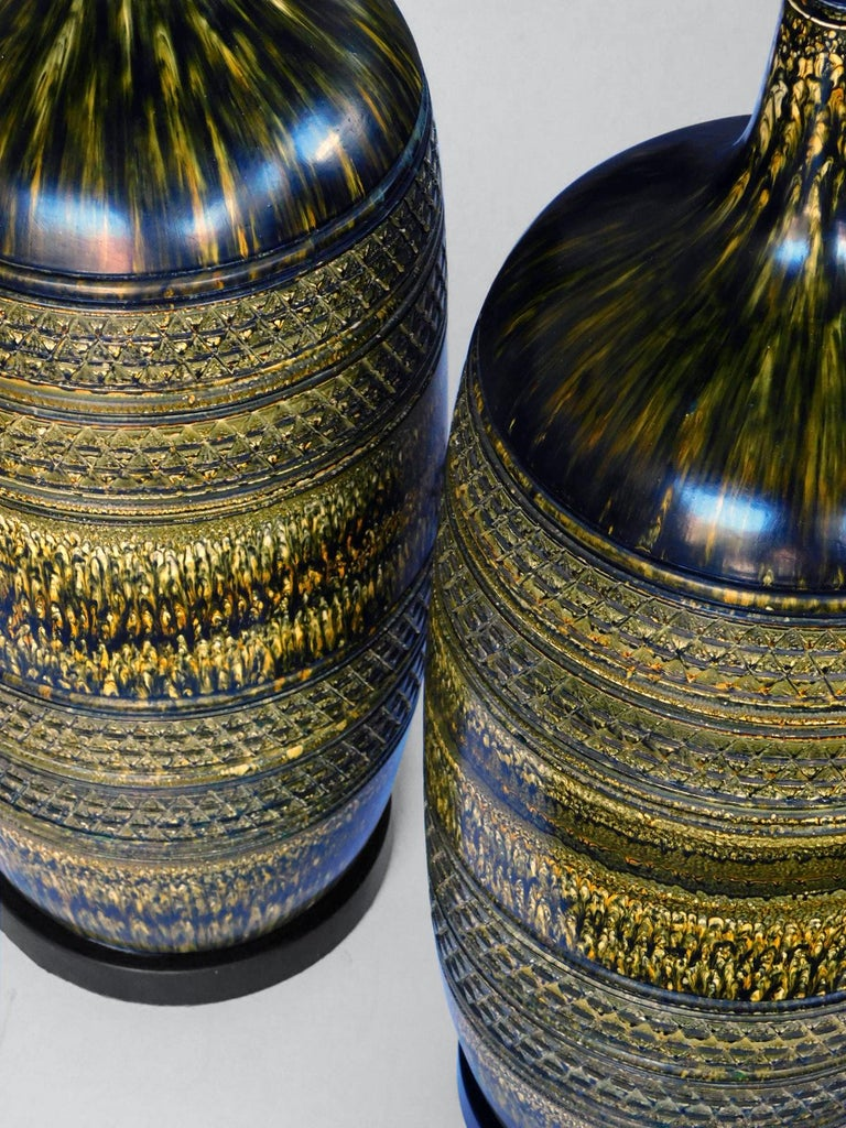 Large Pair of Italian 1960s Geometrically Textured Drip Glaze Ceramic Lamps For Sale 1