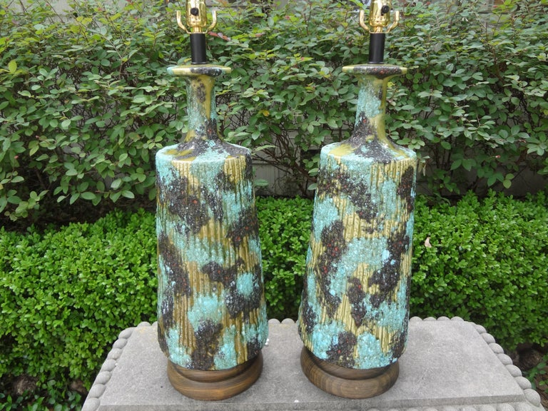 Large Pair of Italian Bitossi Attributed Glazed Ceramic Lamps In Good Condition For Sale In Houston, TX