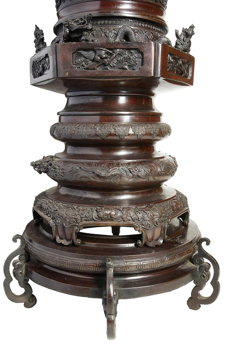 Large Pair of Meiji Period Japanese Bronze Vases For Sale 6