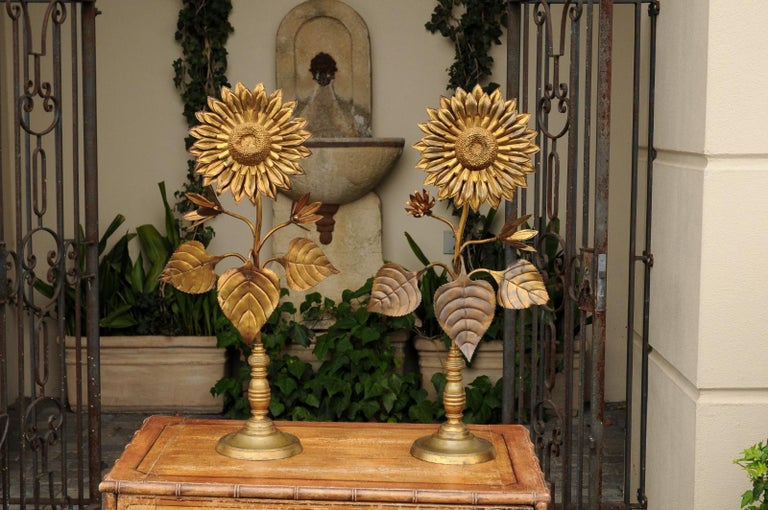 Large Pair of Vintage Midcentury Brass Sunflower Decorative Object on Bases For Sale 1