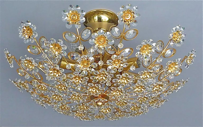 Large Palwa Flushmount Chandelier Gilt Brass Flower Bouquet Crystal Glass, 1960s In Good Condition For Sale In Nierstein am Rhein, DE