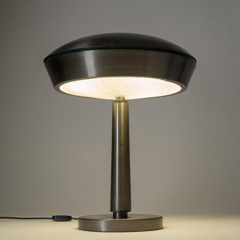 Large Patinated Brass Table Lamp, 1960s, Italy For Sale 8