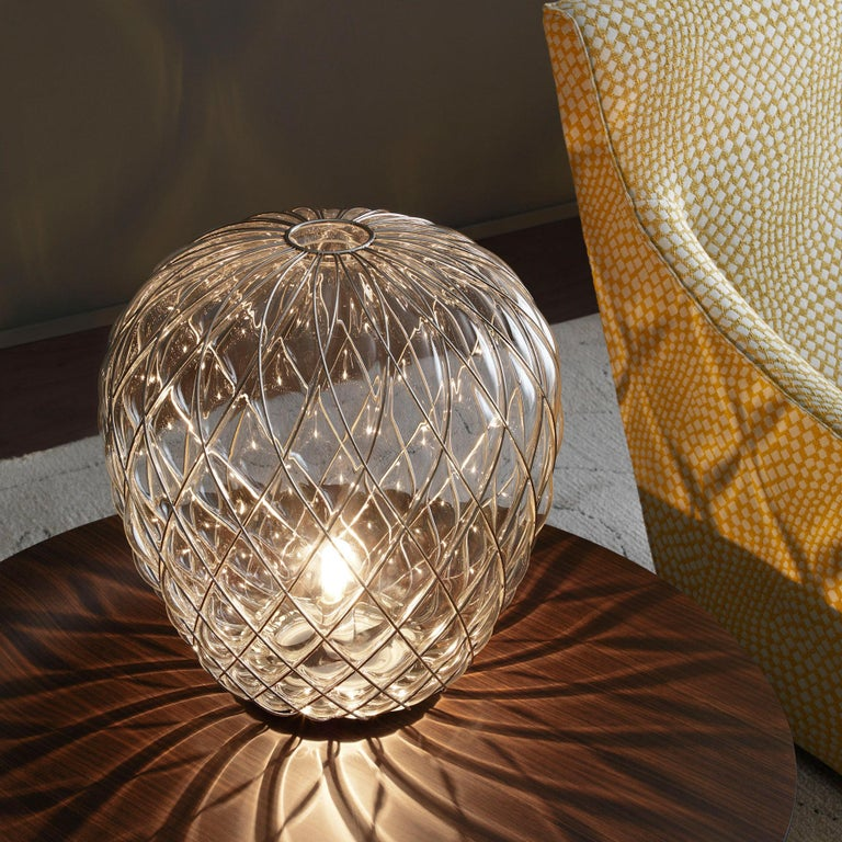 Mid-Century Modern Large 'Pinecone' Table Lamp in Translucent Glass & Gold Metal for Fontana Arte For Sale