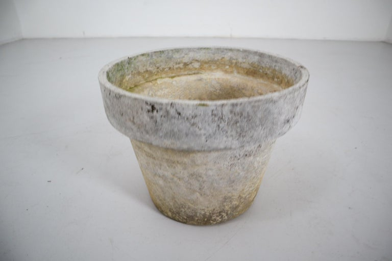 Large Planter in the Shape of Flower Pot by Willy Guhl for Eternit In Good Condition For Sale In Almelo, NL
