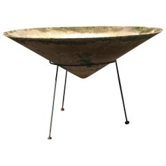 Large Pointed Vasque Planter by Willy Guhl in Modern Stand