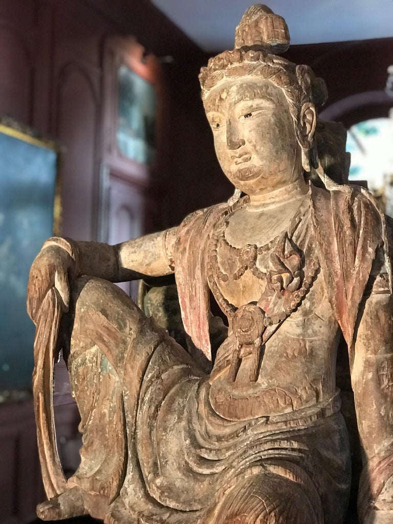 Polychrome Wood Figure of Guanyin Qing Dynasty China 19th Century For Sale 8