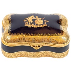 Large Porcelain Jewelry Box Decorated with 22-Karat Gold by Imperial Limoges