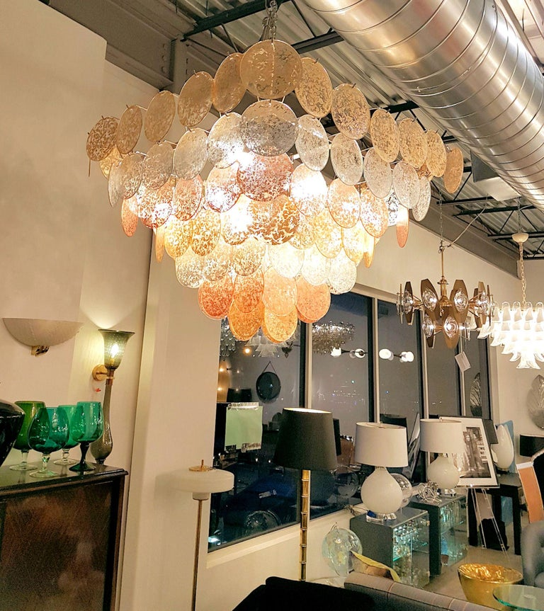 Large Pyramidal Murano Disc Chandelier by Vistosi, Mid-Century Modern, 1970s In Excellent Condition For Sale In Dallas, TX