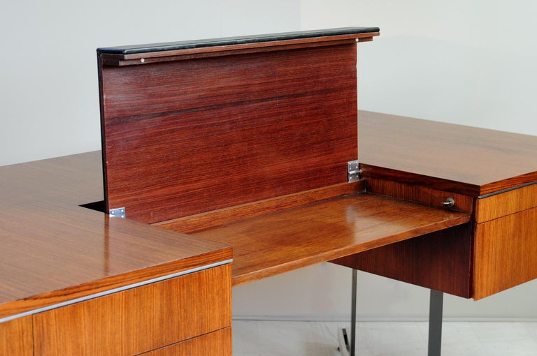 Large Rosewood Executive Desk, England, 1970 For Sale 4