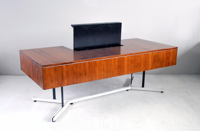 Large Rosewood Executive Desk, England, 1970 For Sale 6