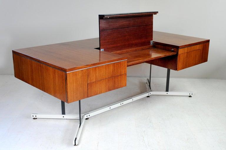 Late 20th Century Large Rosewood Executive Desk, England, 1970 For Sale