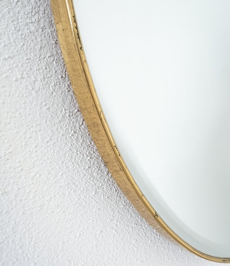 Large Round Brass Wall Mirror Beveled Edges, Italy, circa 1955 In Good Condition For Sale In Vienna, AT