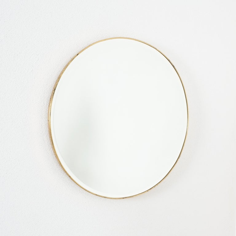 Large Round Brass Wall Mirror Beveled Edges, Italy, circa 1955 For Sale 2