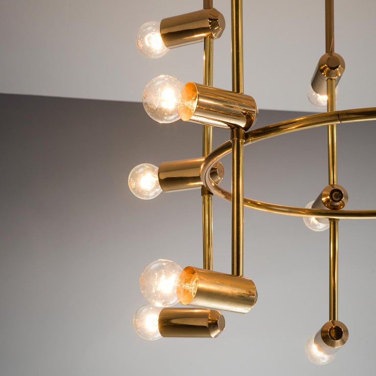 Large Round Swiss Chandelier in Brass In Good Condition For Sale In Waalwijk, NL