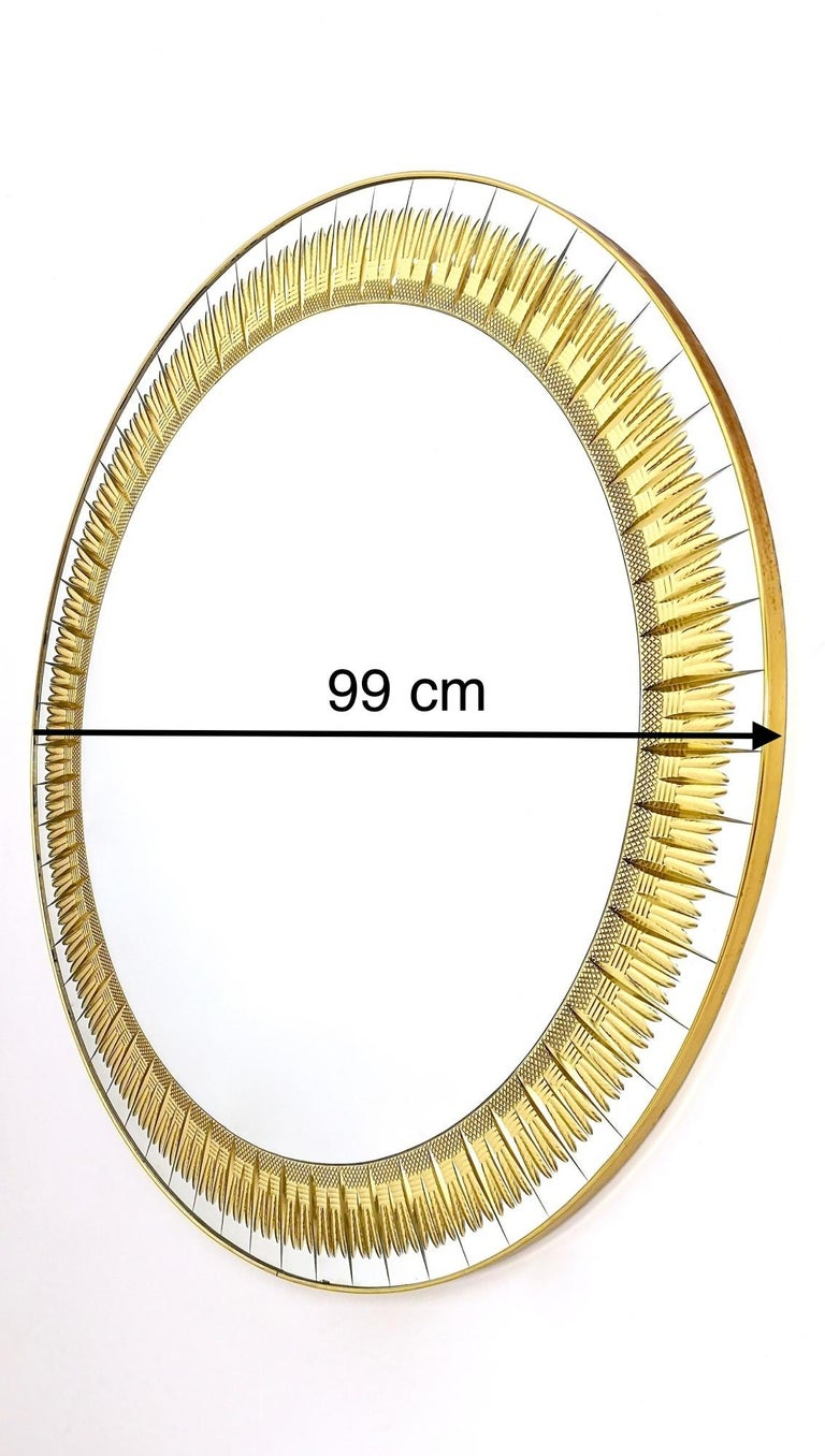 Large Round Wall Mirror by Cristal Art with Gold Engraving, Italy, 1960s For Sale 2