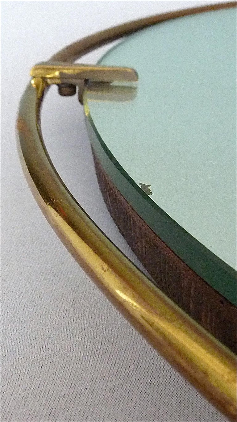 Large Round Wall Mirror Fontana Arte Gio Ponti Style Brass Glass, Italy, 1950s In Good Condition For Sale In Nierstein am Rhein, DE