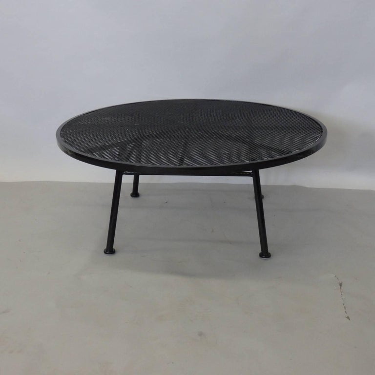 American Large Round Woodard Gloss Black Wrought Iron Coffee Cocktail Table For Sale
