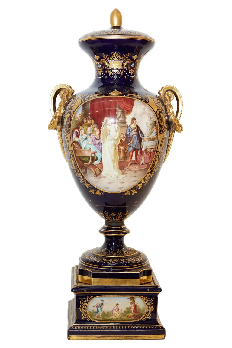 19th century Austrian Royal Vienna vase with lid with extensive gilding and hand painted cartouches depicting scenes from Shakespeare's The Merchant of Venice.