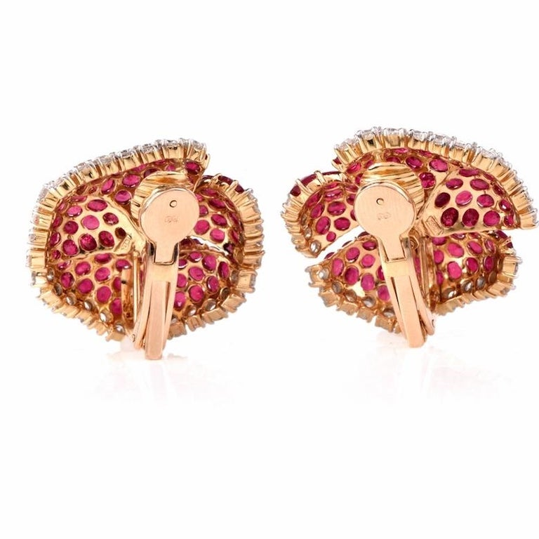Large Ruby Diamond Gold Clip-Back 18 Karat Yellow Gold Flower Earrings In Excellent Condition For Sale In Miami, FL