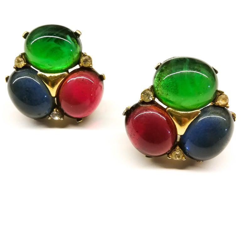 Large ruby, emerald and sapphire paste cabuchon earrings, Ciner, USA, 1980s In Good Condition For Sale In London, London