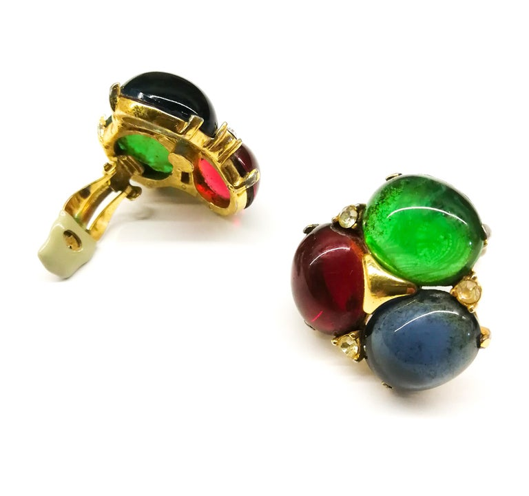 Women's Large ruby, emerald and sapphire paste cabuchon earrings, Ciner, USA, 1980s For Sale