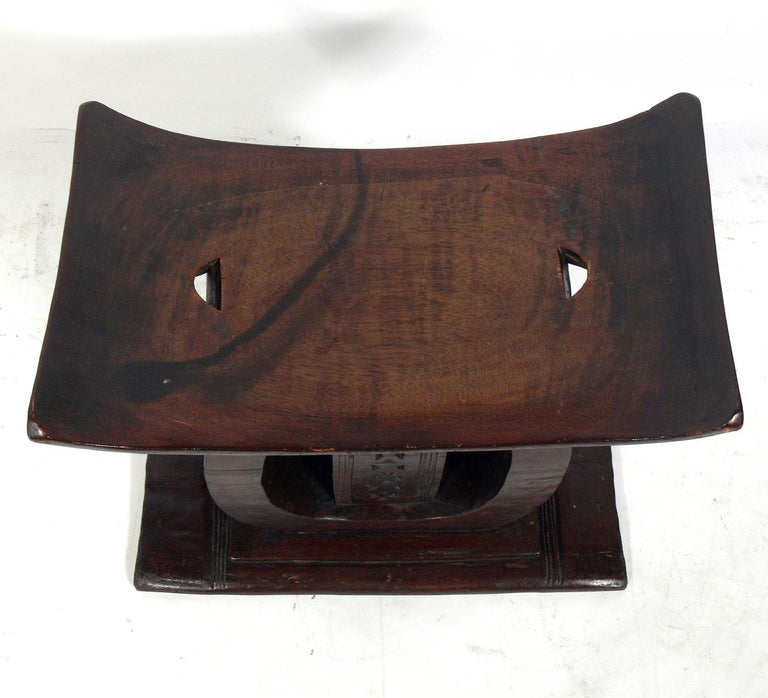 Mid-20th Century Large Scale African Ashanti Stool For Sale
