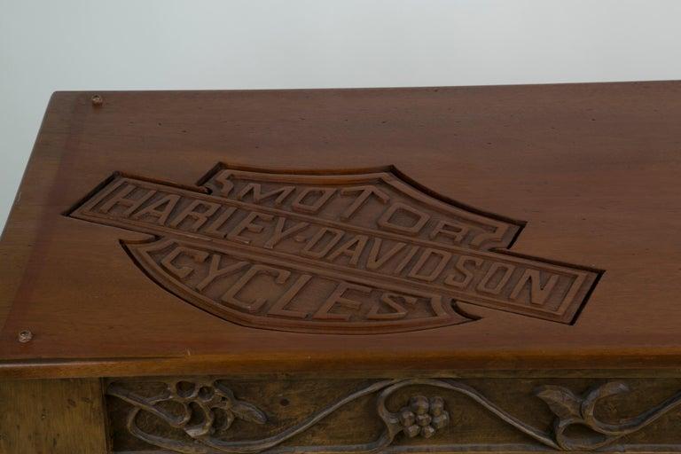 Large-Scale Carved Wood 1948 EL Panhead Harley Davidson with Display Case For Sale 6