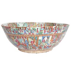 Large Scale Punch Bowl / Chinese Export Rose Medallion