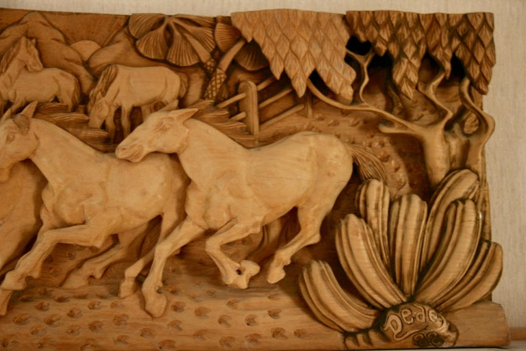 20th Century Large-Scale Western Wood Sculpture For Sale