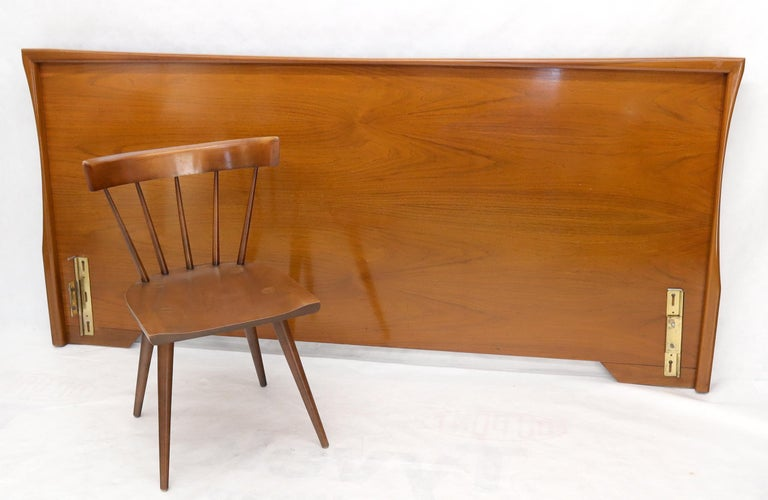 American Large Sculptural Light Mid-Century Modern Walnut King Size Headboard Bed For Sale