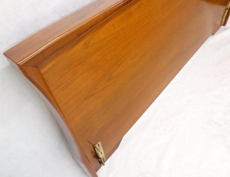Large Sculptural Light Mid-Century Modern Walnut King Size Headboard Bed For Sale 1