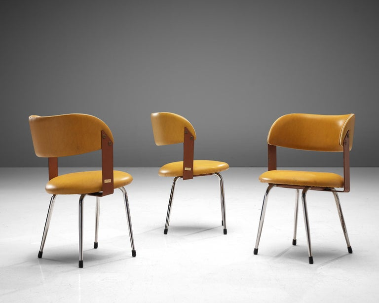 Late 20th Century Large Set of 12 Italian Dining Chairs in Leatherette and Metal, 1970s For Sale