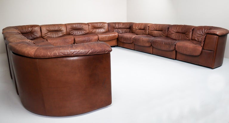 Mid-Century Modern Large Set of 19 Elements Patinated Leather De Sede DS 14 Modular Sofa, 1970s For Sale