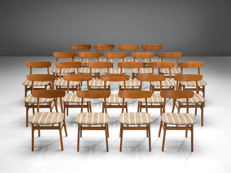Mid-Century Modern Large Set of 24 Dining Chairs in Teak, Denmark, 1960s For Sale