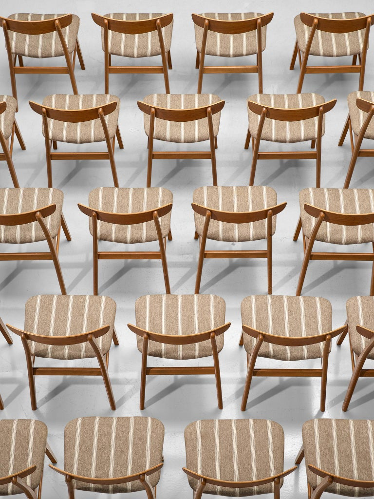 Large Set of 24 Dining Chairs in Teak, Denmark, 1960s In Good Condition For Sale In Waalwijk, NL